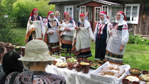 Traditional feast in Ethnographic house  Zvanītāji
